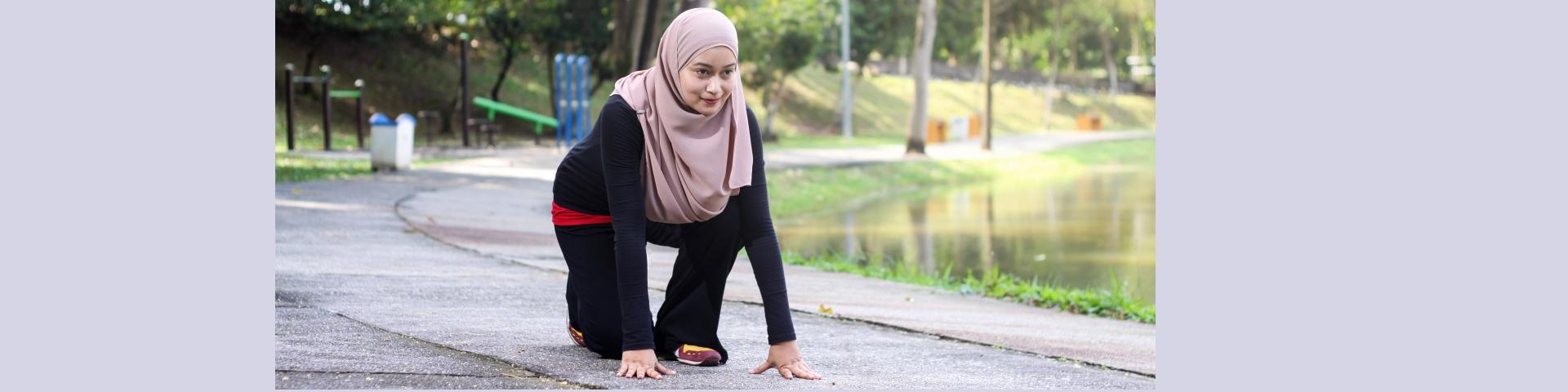 asian-lady-preparing-to-run